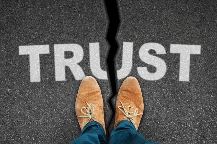 How earn trust others